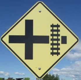 Railroad-crossing-sign-Centennial-Trail-Coeur-d'Alene-ID-4-28-2016