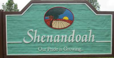 Shenandoah-sign-Wabash-Trail-IA-5-18-17