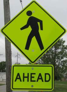 Ped-crossing-sign-Wabash-Trail-IA-5-18-17